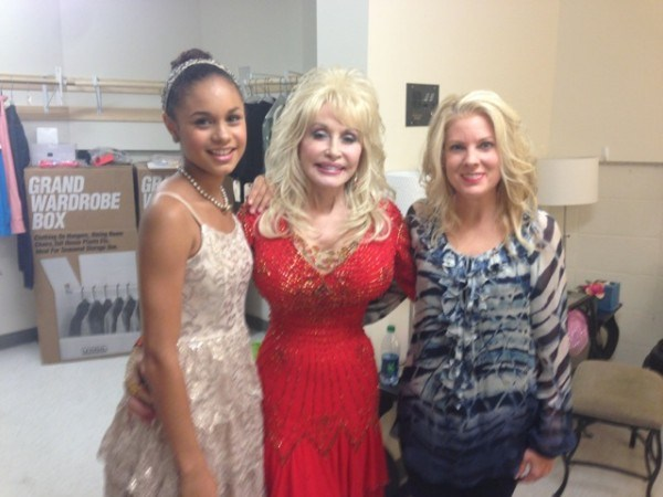 a country christmas story w tamara trexler dolly parton - A Country Christmas Cast